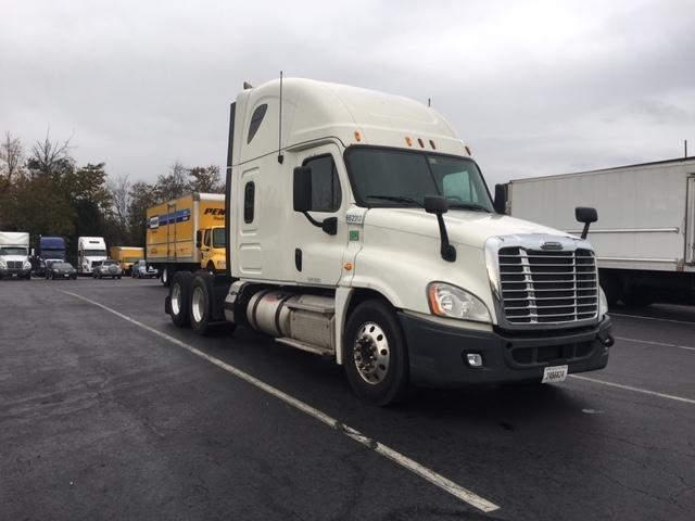 Sleeper Tractor-Heavy Duty Tractors-Freightliner-2013-Cascadia 12564ST-BENSALEM-PA-588,631 miles-$40,750