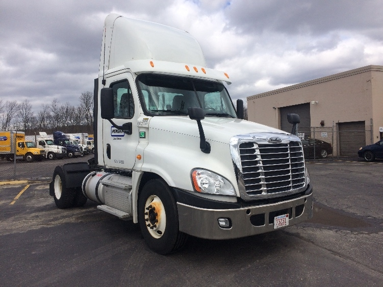 Day Cab Tractor-Heavy Duty Tractors-Freightliner-2013-Cascadia 12542ST-NORTON-MA-161,614 miles-$49,500