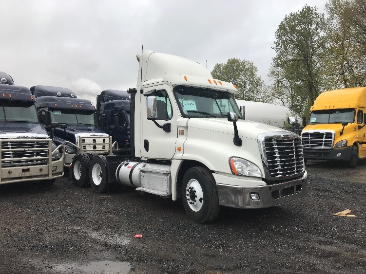 Day Cab Tractor-Heavy Duty Tractors-Freightliner-2013-Cascadia 12564ST-DELTA-BC-265,731 km-$53,500