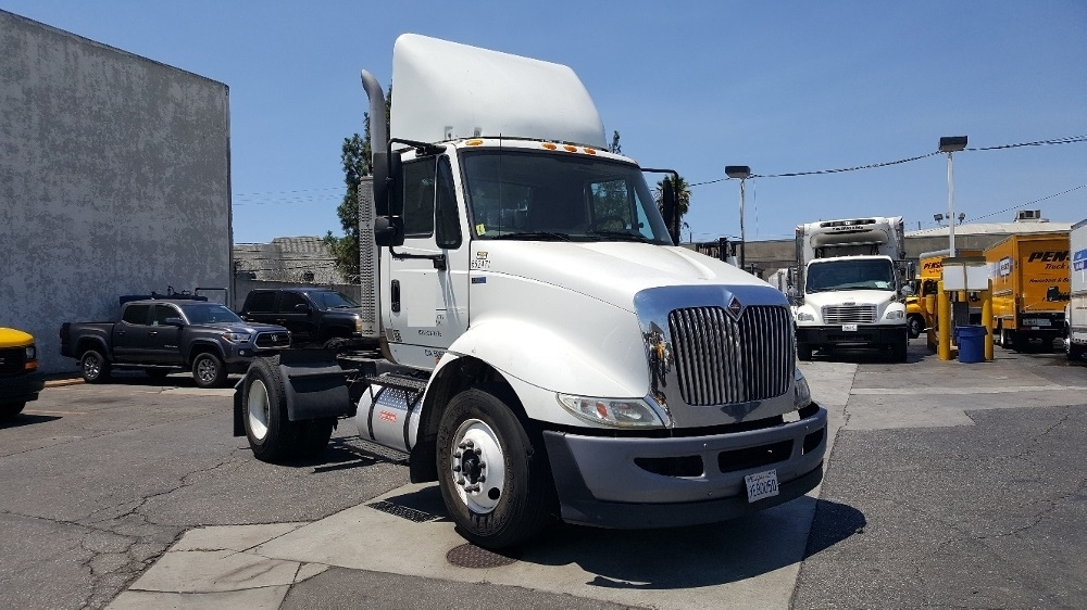 Day Cab Tractor-Heavy Duty Tractors-International-2013-8600-TORRANCE-CA-191,735 miles-$19,000