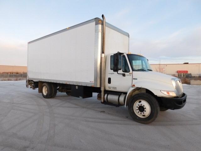 Medium Duty Box Truck-Light and Medium Duty Trucks-International-2013-4300-SASKATOON-SK-164,965 km-$44,000