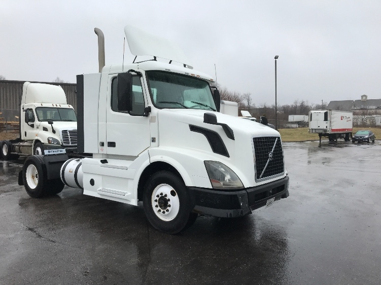 Day Cab Tractor-Heavy Duty Tractors-Volvo-2013-VNL42300-ERLANGER-KY-549,867 miles-$27,750