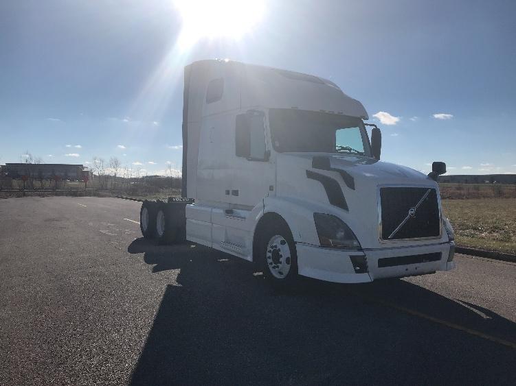 Sleeper Tractor-Heavy Duty Tractors-Volvo-2013-VNL64T670-EVANSVILLE-IN-545,423 miles-$44,500