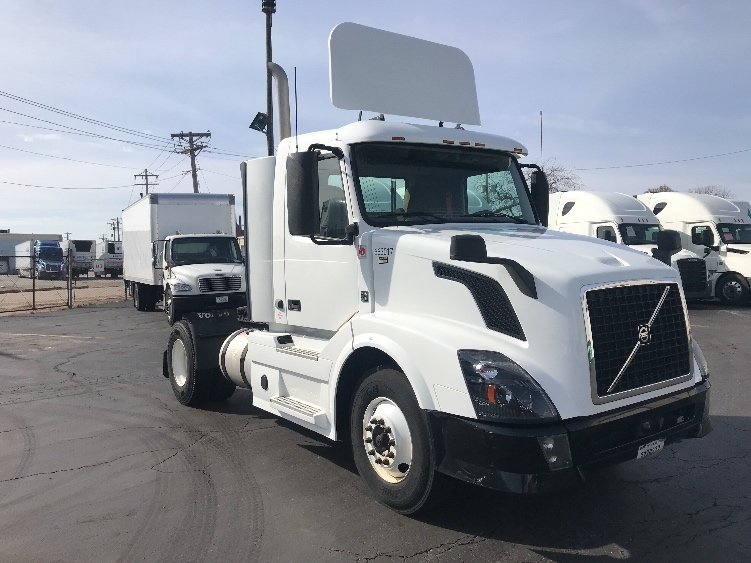 Day Cab Tractor-Heavy Duty Tractors-Volvo-2013-VNL42300-SAINT LOUIS-MO-229,000 miles-$36,250