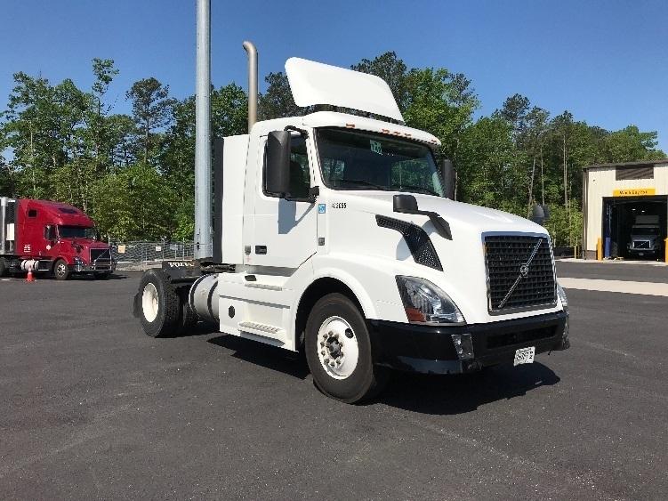 Day Cab Tractor-Heavy Duty Tractors-Volvo-2013-VNL42300-ASHLAND-VA-331,147 miles-$24,750