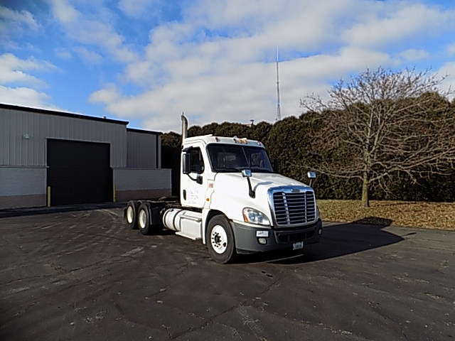 Day Cab Tractor-Heavy Duty Tractors-Freightliner-2013-Cascadia 12564ST-LA PORTE-IN-364,540 miles-$41,750