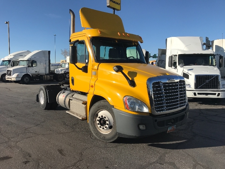 Day Cab Tractor-Heavy Duty Tractors-Freightliner-2013-Cascadia 12542ST-WEST VALLEY CITY-UT-190,567 miles-$36,250
