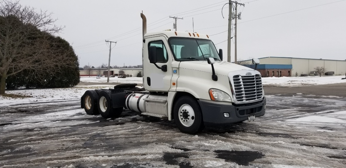 Day Cab Tractor-Heavy Duty Tractors-Freightliner-2013-Cascadia 12564ST-LA PORTE-IN-448,583 miles-$38,500