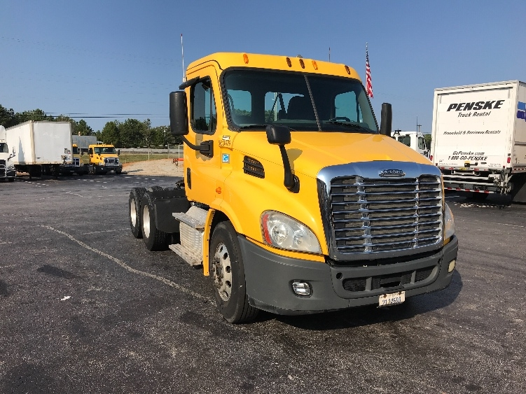 Day Cab Tractor-Heavy Duty Tractors-Freightliner-2013-Cascadia 11364ST-CONYERS-GA-562,719 miles-$27,000