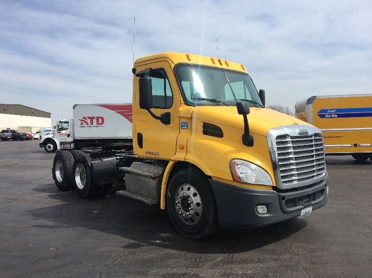 Day Cab Tractor-Heavy Duty Tractors-Freightliner-2013-Cascadia 11364ST-TULSA-OK-359,147 miles-$38,250