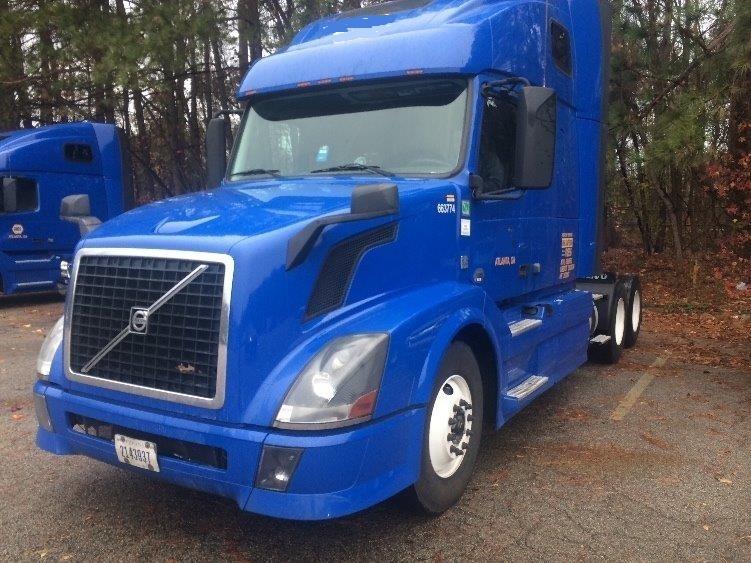 Sleeper Tractor-Heavy Duty Tractors-Volvo-2013-VNL64T670-ATLANTA-GA-795,117 miles-$29,500