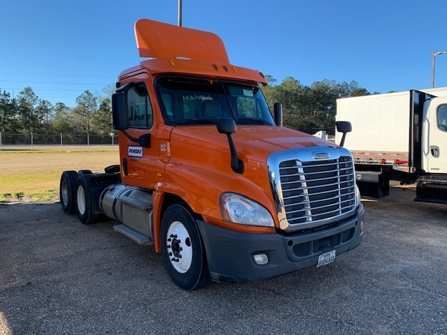 Day Cab Tractor-Heavy Duty Tractors-Freightliner-2013-Cascadia 12564ST-HAMMOND-LA-314,873 miles-$42,250