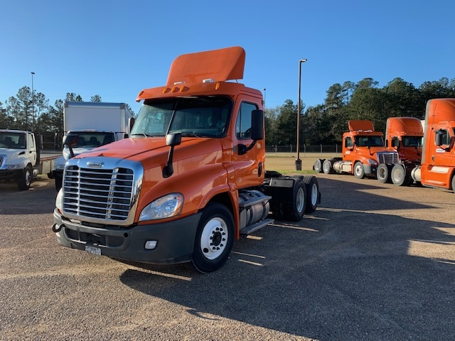 Day Cab Tractor-Heavy Duty Tractors-Freightliner-2013-Cascadia 12564ST-HAMMOND-LA-337,601 miles-$45,250