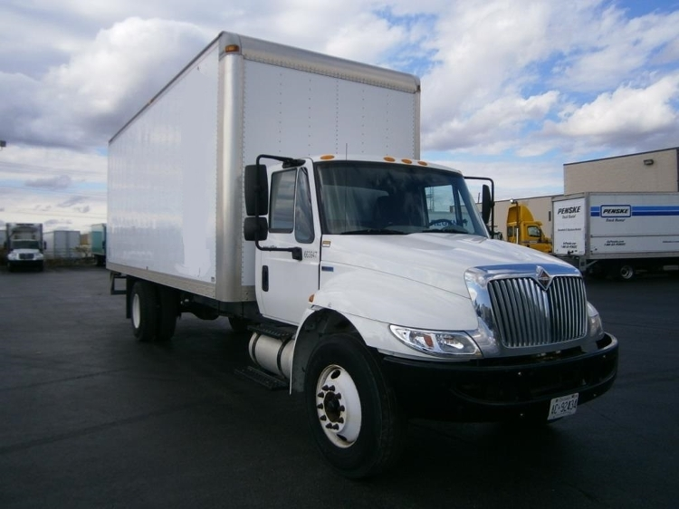 Medium Duty Box Truck-Light and Medium Duty Trucks-International-2013-4300M7-ETOBICOKE-ON-98,251 km-$47,750