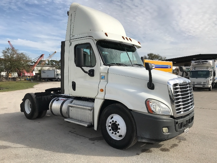 Day Cab Tractor-Heavy Duty Tractors-Freightliner-2013-Cascadia 12542ST-ORLANDO-FL-540,743 miles-$23,750