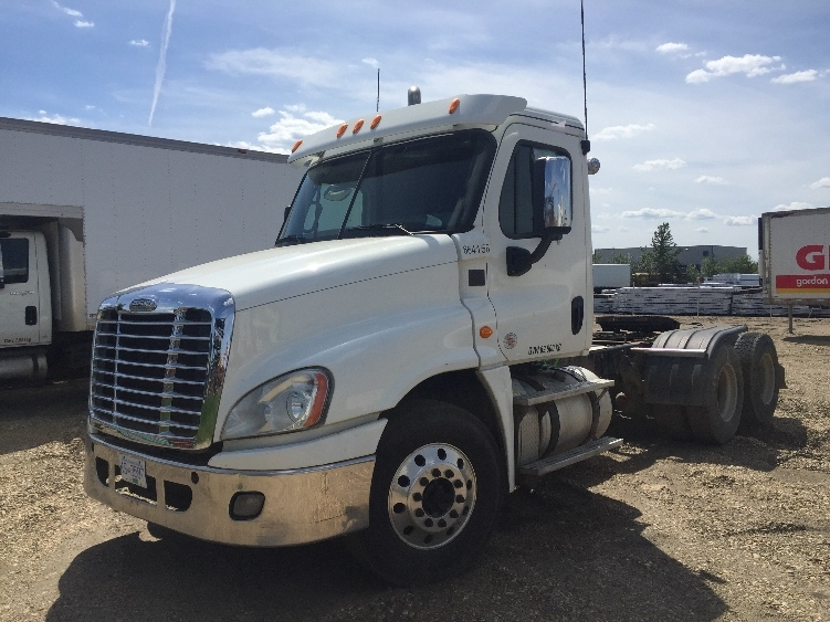 Day Cab Tractor-Heavy Duty Tractors-Freightliner-2013-Cascadia 12564ST-ABBOTSFORD-BC-810,854 km-$63,250