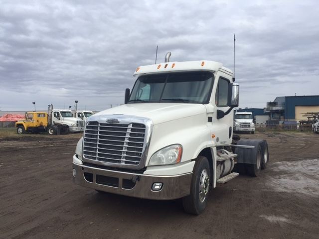 Day Cab Tractor-Heavy Duty Tractors-Freightliner-2013-Cascadia 12564ST-EDMONTON-AB-652,011 km-$53,500