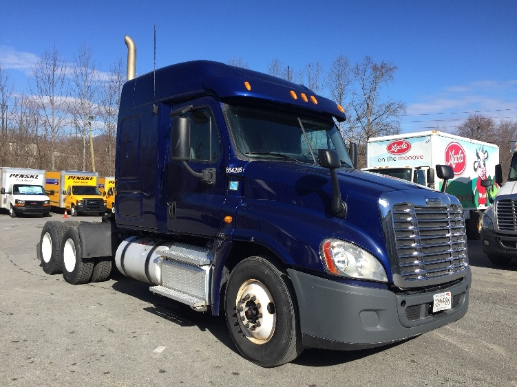 Sleeper Tractor-Heavy Duty Tractors-Freightliner-2013-Cascadia 12564ST-SPARTANBURG-SC-455,662 miles-$48,500