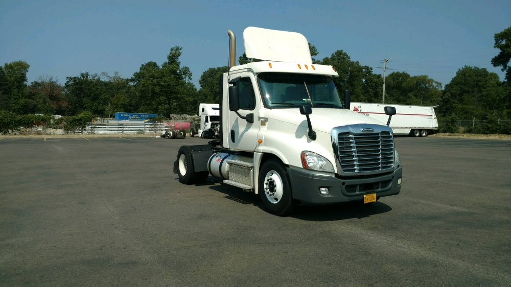 Day Cab Tractor-Heavy Duty Tractors-Freightliner-2013-Cascadia 12542ST-HOT SPRINGS-AR-299,778 miles-$36,250