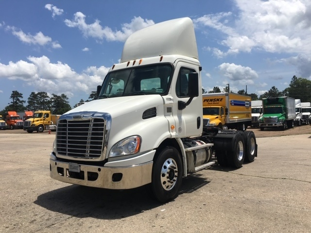 Day Cab Tractor-Heavy Duty Tractors-Freightliner-2013-Cascadia 11364ST-LAFAYETTE-LA-356,852 miles-$41,500