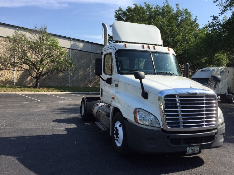 Day Cab Tractor-Heavy Duty Tractors-Freightliner-2013-Cascadia 12542ST-TAMPA-FL-354,604 miles-$39,250