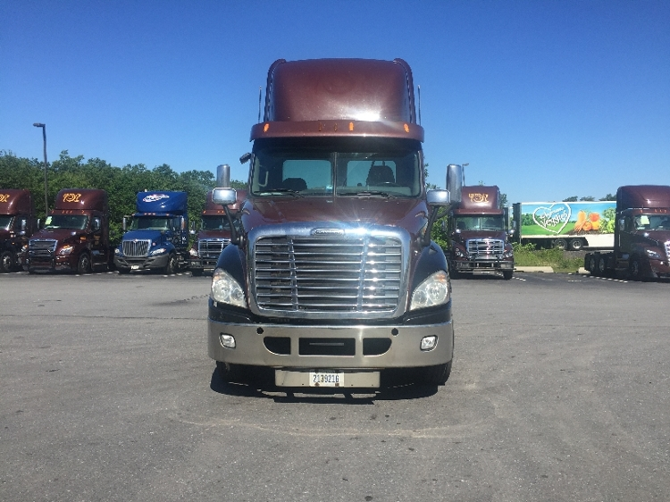 Day Cab Tractor-Heavy Duty Tractors-Freightliner-2013-Cascadia 12564ST-TWINSBURG-OH-586,647 miles-$26,000