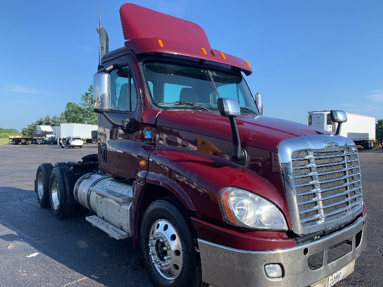 Day Cab Tractor-Heavy Duty Tractors-Freightliner-2013-Cascadia 12564ST-FREDONIA-NY-151,687 miles-$53,250