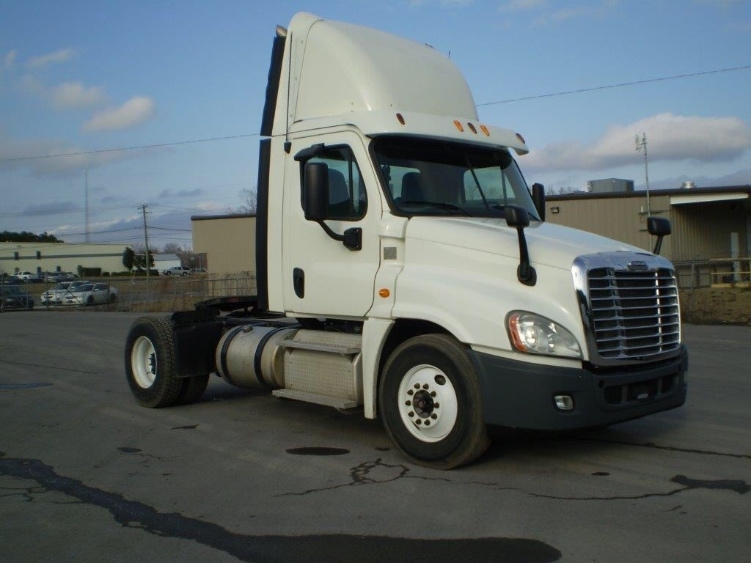 Day Cab Tractor-Heavy Duty Tractors-Freightliner-2013-Cascadia 12542ST-BOAZ-AL-554,067 miles-$29,000