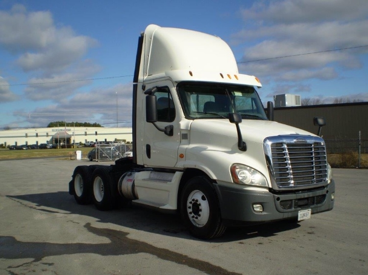 Day Cab Tractor-Heavy Duty Tractors-Freightliner-2013-Cascadia 12564ST-BOAZ-AL-739,945 miles-$26,000