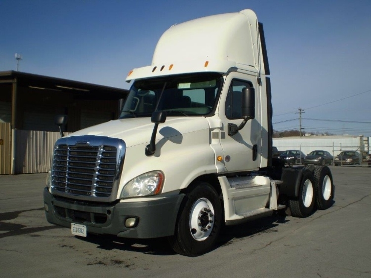 Day Cab Tractor-Heavy Duty Tractors-Freightliner-2013-Cascadia 12564ST-BOAZ-AL-849,143 miles-$26,000