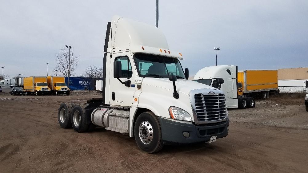 Day Cab Tractor-Heavy Duty Tractors-Freightliner-2013-Cascadia 12564ST-WARREN-MI-280,219 miles-$37,250