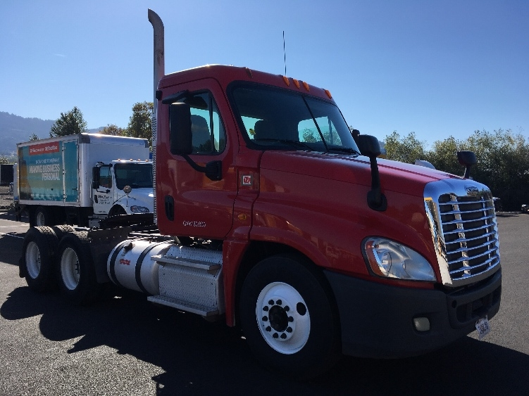 Day Cab Tractor-Heavy Duty Tractors-Freightliner-2013-Cascadia 12564ST-COBURG-OR-225,543 miles-$59,750