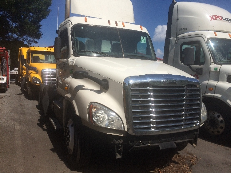 Day Cab Tractor-Heavy Duty Tractors-Freightliner-2013-Cascadia 12564ST-FOREST PARK-GA-601,080 miles-$12,000