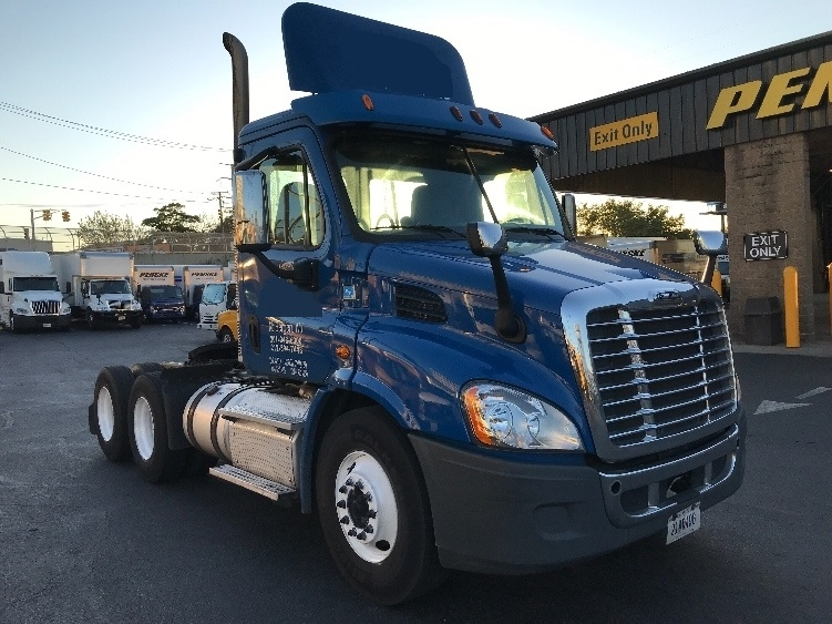 Day Cab Tractor-Heavy Duty Tractors-Freightliner-2013-Cascadia 11364ST-NORTH BERGEN-NJ-187,873 miles-$35,750