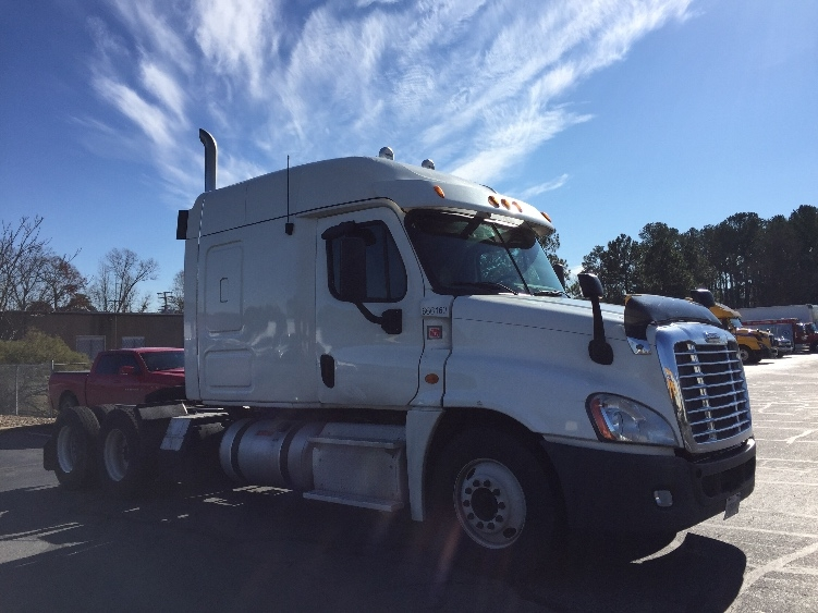 Sleeper Tractor-Heavy Duty Tractors-Freightliner-2013-Cascadia 12564ST-HOT SPRINGS-AR-581,792 miles-$37,000