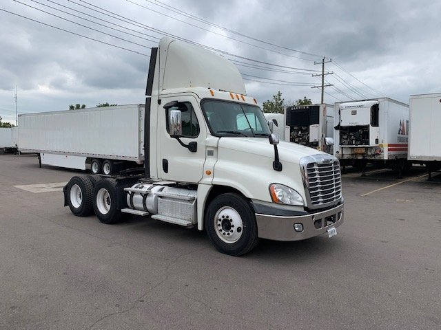 Day Cab Tractor-Heavy Duty Tractors-Freightliner-2013-Cascadia 12564ST-PLYMOUTH-MI-255,552 miles-$35,250