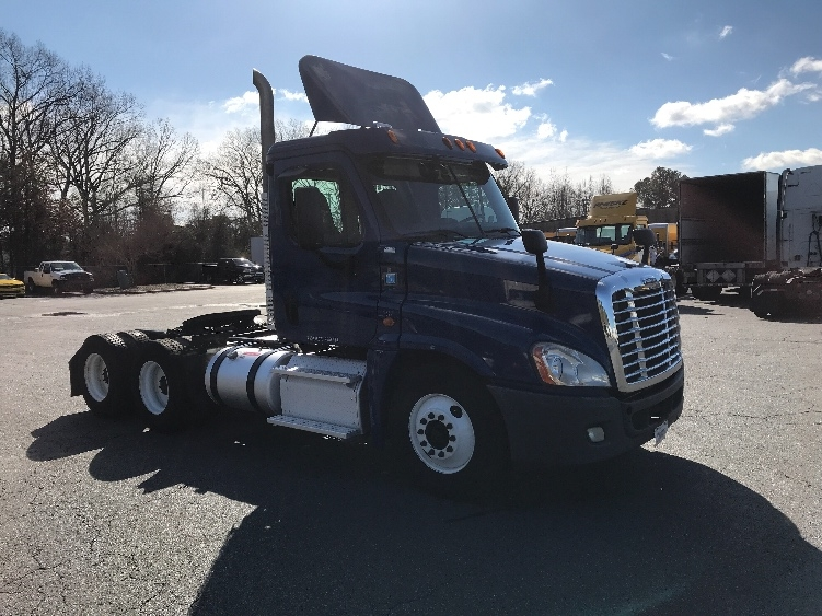 Day Cab Tractor-Heavy Duty Tractors-Freightliner-2013-Cascadia 12564ST-LITTLE ROCK-AR-351,295 miles-$42,750