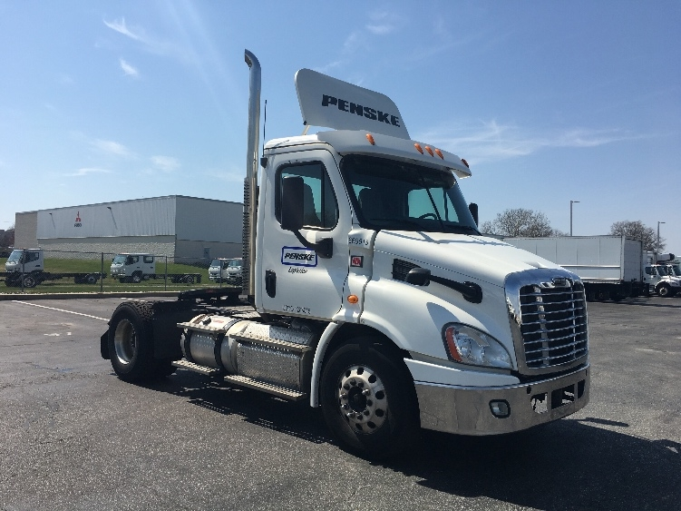 Day Cab Tractor-Heavy Duty Tractors-Freightliner-2013-Cascadia 11342ST-SWEDESBORO-NJ-330,333 miles-$35,500