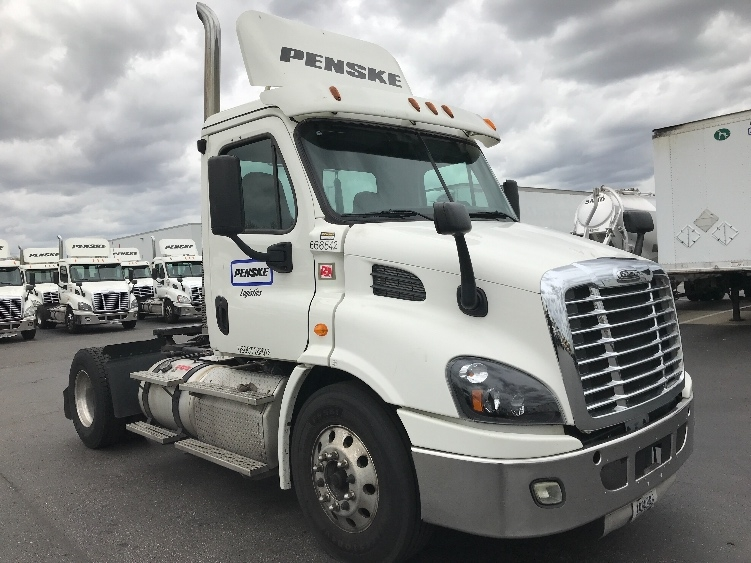 Day Cab Tractor-Heavy Duty Tractors-Freightliner-2013-Cascadia 11342ST-SWEDESBORO-NJ-379,405 miles-$38,750