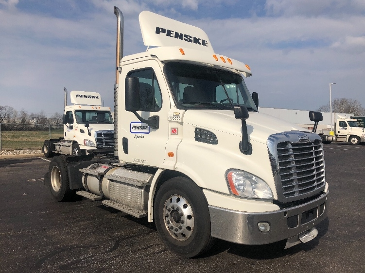 Day Cab Tractor-Heavy Duty Tractors-Freightliner-2013-Cascadia 11342ST-SWEDESBORO-NJ-355,387 miles-$39,500