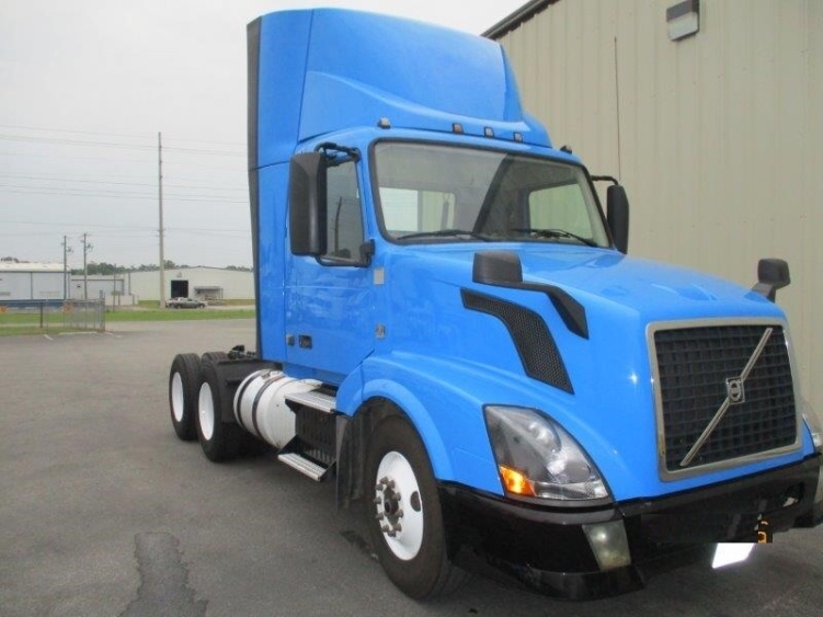Day Cab Tractor-Heavy Duty Tractors-Volvo-2013-VNL64T300-PELL CITY-AL-450,050 miles-$32,500