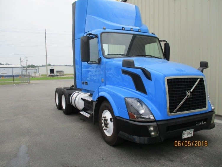 Day Cab Tractor-Heavy Duty Tractors-Volvo-2013-VNL64T300-PELL CITY-AL-471,855 miles-$31,500