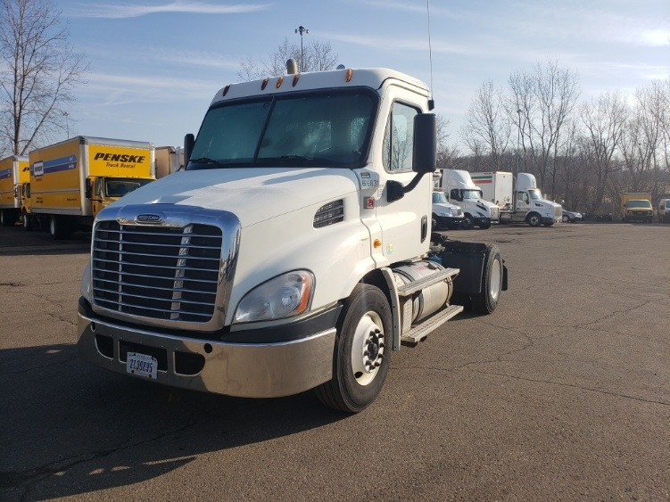Day Cab Tractor-Heavy Duty Tractors-Freightliner-2013-Cascadia 11342ST-AKRON-OH-195,185 miles-$41,500