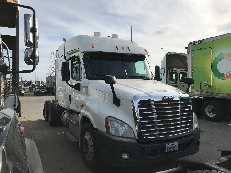 Sleeper Tractor-Heavy Duty Tractors-Freightliner-2013-Cascadia 12564ST-HOUSTON-TX-383,520 miles-$45,750