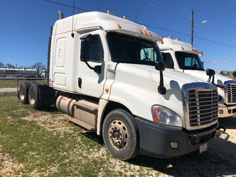 Sleeper Tractor-Heavy Duty Tractors-Freightliner-2013-Cascadia 12564ST-FORT WORTH-TX-279,969 miles-$46,750