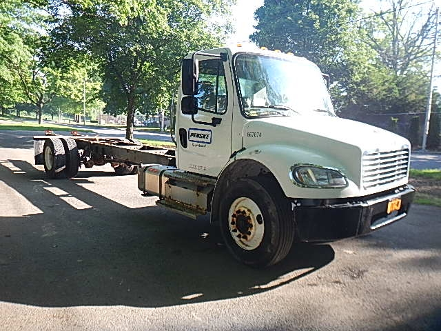 Cab and Chassis Truck-Light and Medium Duty Trucks-Freightliner-2013-M2-READING-PA-269,686 miles-$32,750