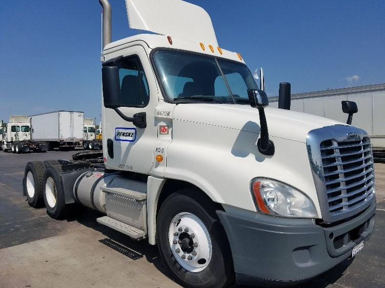 Day Cab Tractor-Heavy Duty Tractors-Freightliner-2013-Cascadia 12564ST-KANSAS CITY-MO-366,800 miles-$46,250