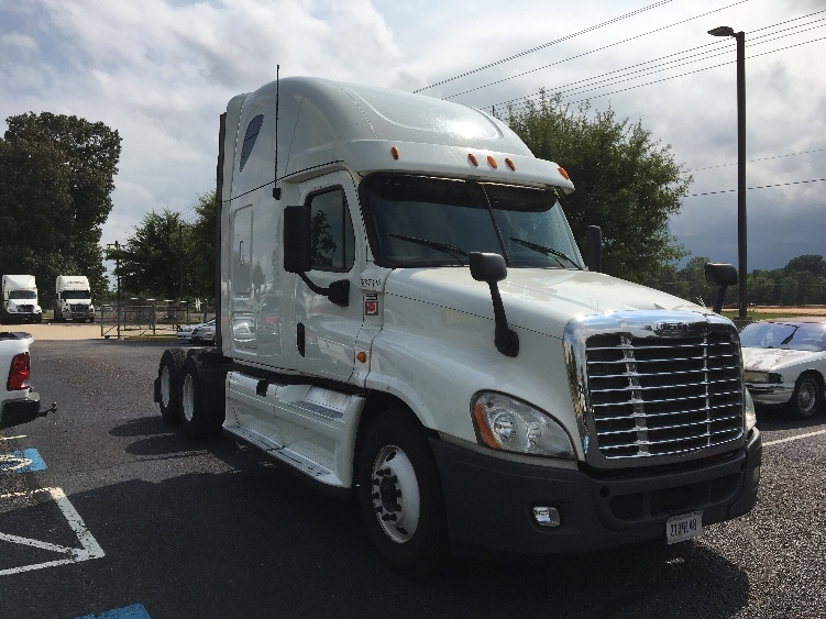 Sleeper Tractor-Heavy Duty Tractors-Freightliner-2013-Cascadia 12564ST-OLIVE BRANCH-MS-731,004 miles-$34,500