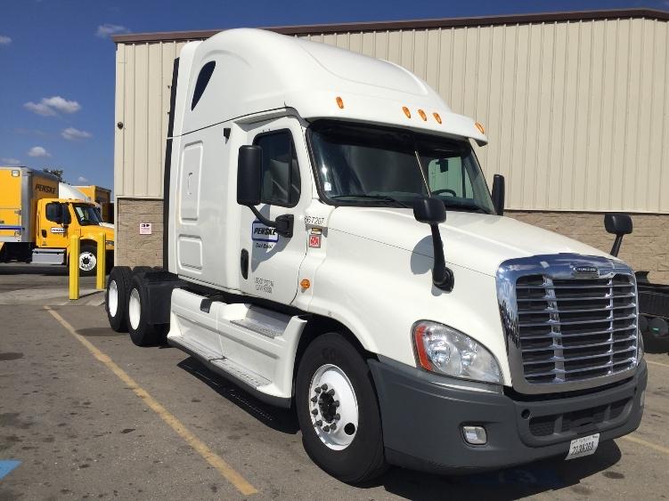 Sleeper Tractor-Heavy Duty Tractors-Freightliner-2013-Cascadia 12564ST-LINDEN-NJ-518,442 miles-$43,250