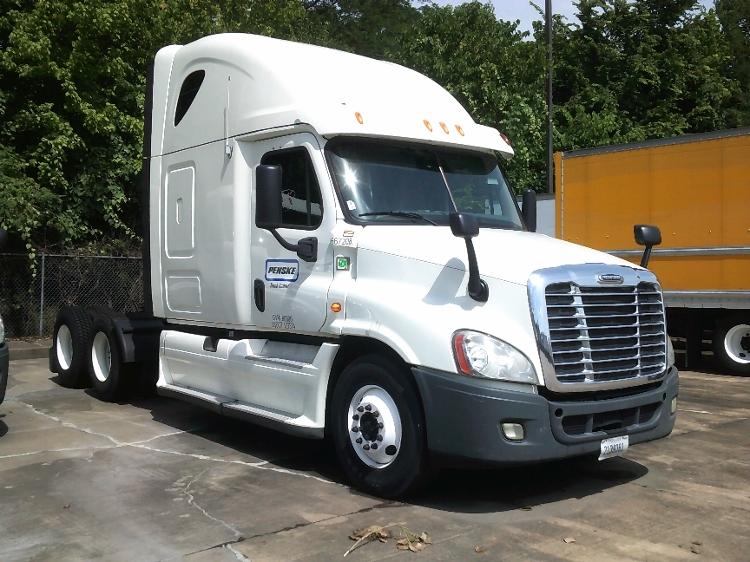 Sleeper Tractor-Heavy Duty Tractors-Freightliner-2013-Cascadia 12564ST-MEMPHIS-TN-587,617 miles-$46,000